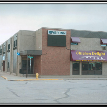 578 RIVER INN – HOTEL WITH CHICKEN DELIGHT RESTAURANT